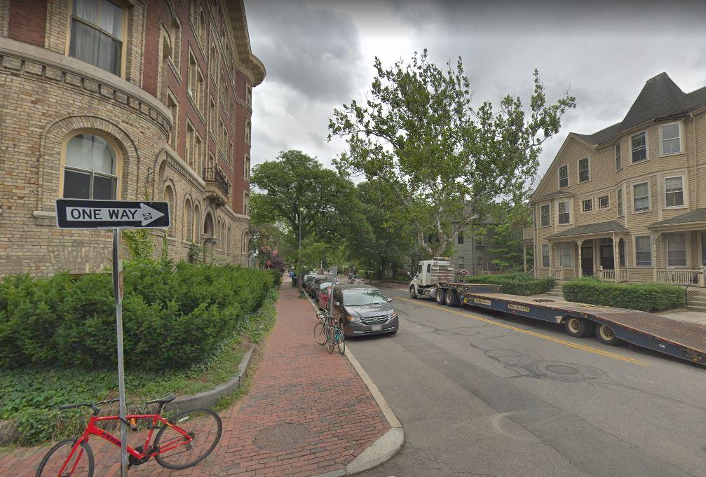 harvard street broadway near harvard square living off campus